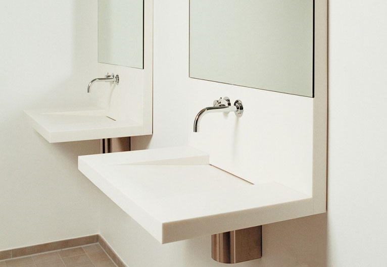 White Small Tolit Washing Integrated Sink With Mirrow