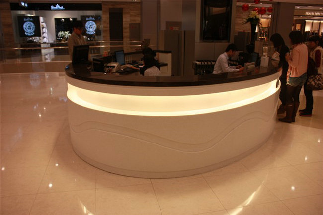 shopping mall cashier counter