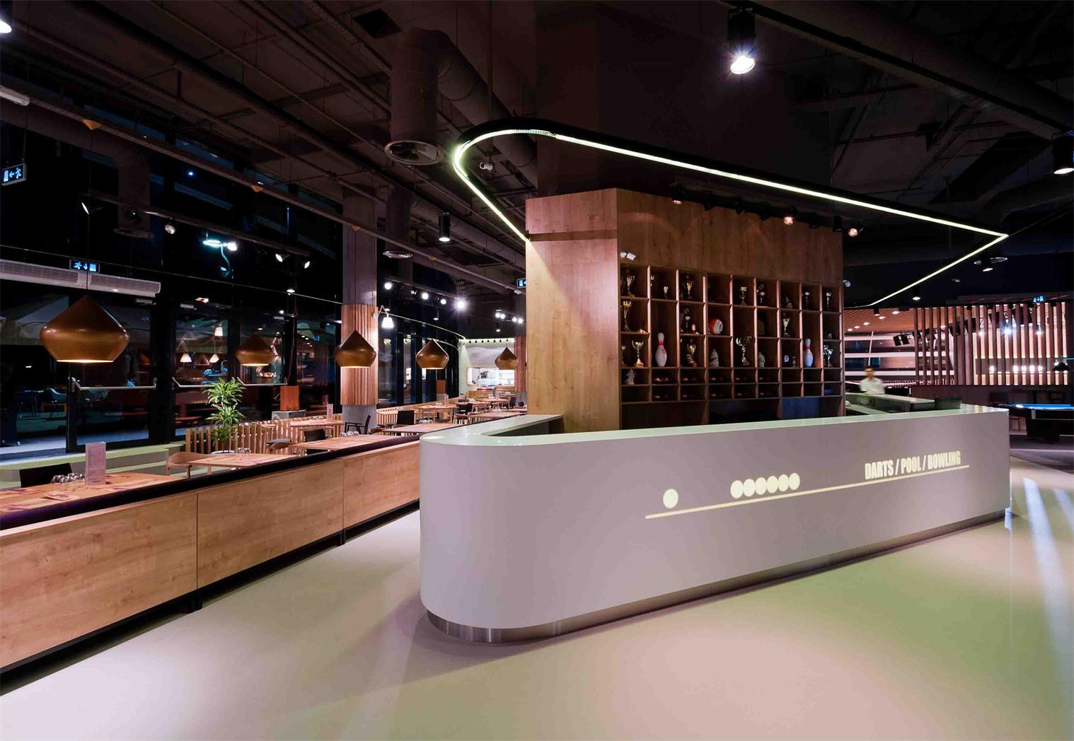 large restaurant high gloss white bar counter with led light