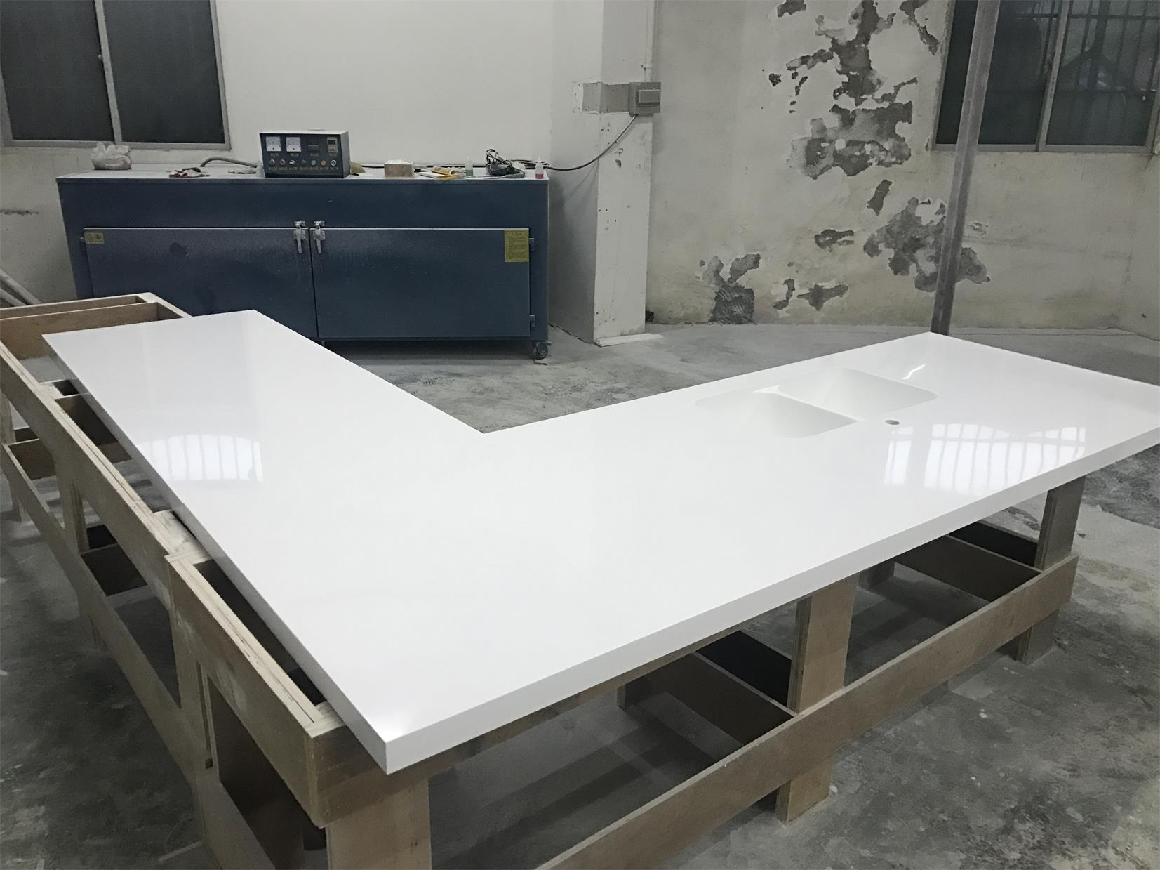Glacier white corian countertops solid surface with sink for Solid surface counters