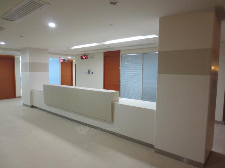 clinic reception desk