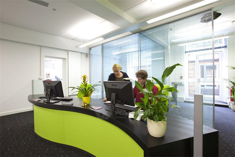 Green reception desk