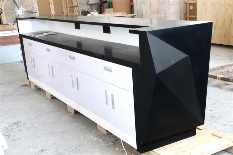 Bar counter-behind