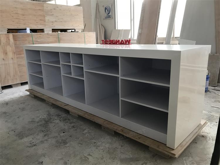Bar counter with many cabinets