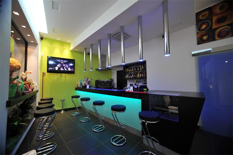 RGB LED Llighting Corian  Bar Counter For Store