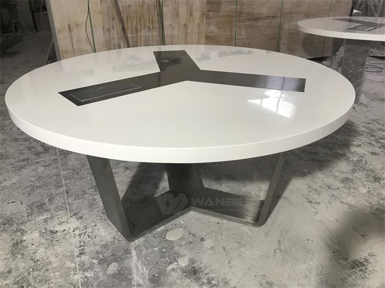 Conference table with 1 multimedia socket
