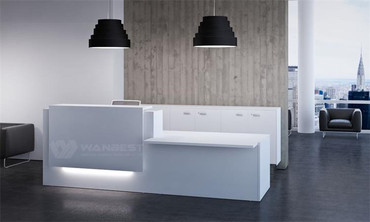Simple and generous design front counter